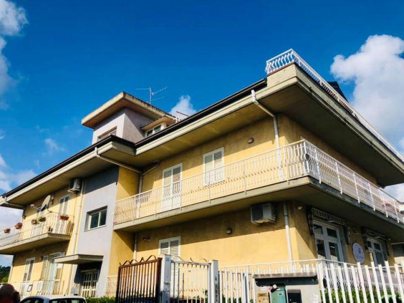 Aci Sant'Antonio Lavinaio 3 vani + 2 servizi + Garage 35 mq