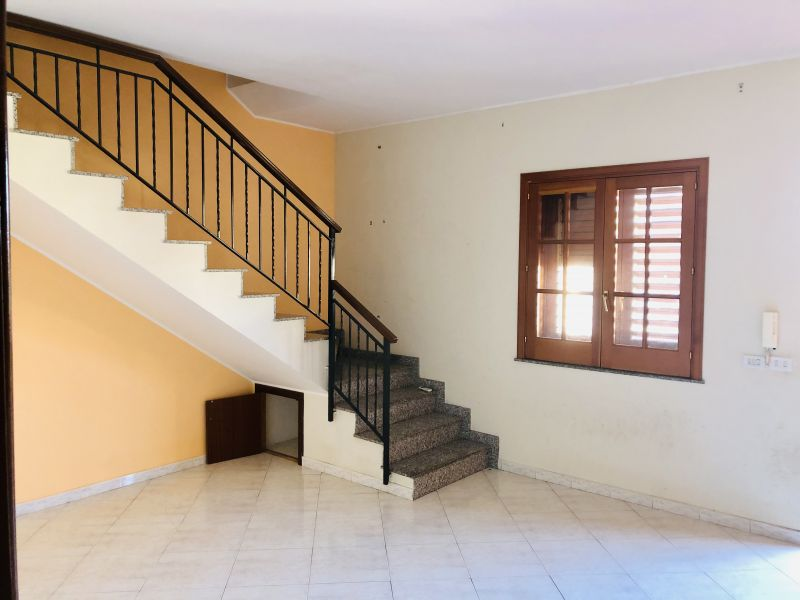 Aci Sant'Antonio Appartamento si due livelli 6 vani 1/2 + garage